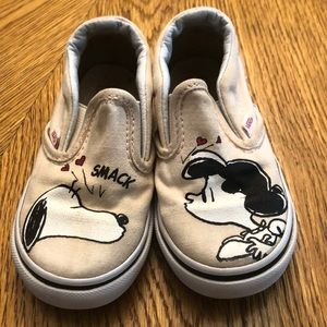 Toddler girl Peanuts Vans size 8